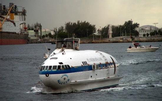 лодка с мотором от самолета