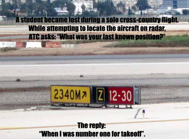 Airport_taxiway_signs