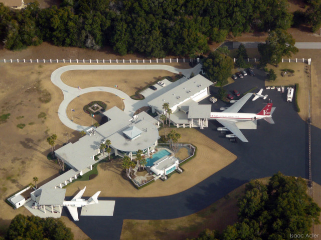 Aviation enthusiasts dream home