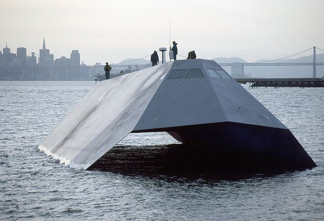 640px-US_Navy_Sea_Shadow_stealth_craft