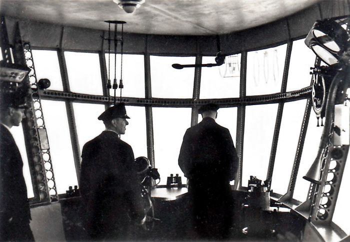 inside-hindenburg-zeppelin-luxury-interi